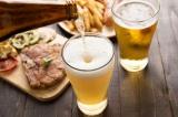 お酒を飲む時は、豆腐や野菜、白身魚など食物繊維やタンパク質が主体のつまみを選ぼう