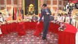 道端アンジェリカの美脚がノブコブ・吉村の急所を襲う!? テレビ朝日系で5月1日放送の『最近の若いもんは… イン・ザ・ワールド』の一部をウェブで先行公開(C)テレビ朝日