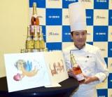 川島さんがワインと愛犬をイメージして描いたイラストを披露 (C)ORICON NewS inc.