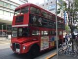 渋谷〜原宿間を無料で走行しているロンドンバス