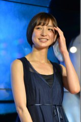 名古屋市内で開催されたdTVオリジナルドラマ『テラフォーマーズ/新たなる希望』配信記念イベントに出演した篠田麻里子