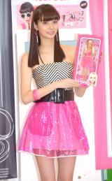 バービー風の衣装で登場した新川優愛=プリントシール機『Barbie Your Doll』プレス発表会 (C)ORICON NewS inc.