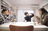 5月20日放送、第7話はおこだわり人を卒業した映画監督の古澤健氏(左)が登場。中央は清野とおる氏、右は松岡茉優(C)『その「おこだわり」、私にもくれよ!!』製作委員会