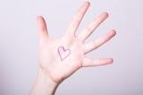 「hand」を使ったイディオムを紹介! あなたはいくつ知っている?