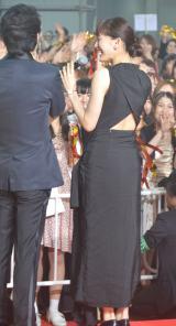 背中見せドレスで登場した綾瀬はるか=映画『高台家の人々』レセプションパーティー&完成披露試写会 (C)ORICON NewS inc.