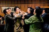 映画『日本で一番悪い奴ら』場面カット(C)2016「日本で一番悪い奴ら」製作委員会