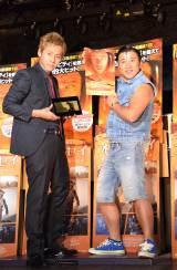 映画『オデッセイ』ブルーレイ&DVD大ヒット記念イベントに登場したヒロシ(左)とスギちゃん (C)ORICON NewS inc.