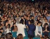 大盛り上がりの会場の様子=映画『高台家の人々』公開後イベントに出席した(左から)斎藤工、間宮祥太朗 (C)ORICON NewS inc.