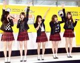 夢みるアドレセンス(左から)小林れい、志田友美、荻野可鈴、京佳、山田朱莉