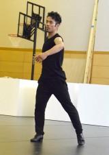 舞台『LOVE ON THE FLOOR』公開けいこ後の囲み取材に出席した高橋大輔 (C)ORICON NewS inc.