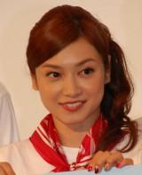 6月2日に自身のブログを更新し、サッカー日本代表でイタリア・インテル所属の長友佑都選手との交際を報告した平愛梨。