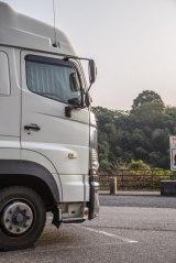 トラック運転手の確認不足が原因で起こってしまった悲惨な事故事例を紹介