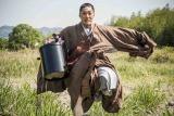 丸刈り姿を披露した野村萬斎。主演映画『花戦さ』で池坊専好を演じる