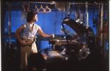 """映画『刑事物語』シリーズで名物となった武田鉄矢の""""ハンガーヌンチャク""""(C)1981 SANRIO CO.,LTD. TOKYO,JAPAN"""