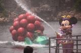 水浴びに大はしゃぎ!ディズニー夏イベントがお披露目/「ミニーのトロピカルスプラッシュ」 (C)oricon ME inc.