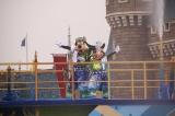 水浴びに大はしゃぎ!ディズニー夏イベントがお披露目/「彩涼華舞」 (C)oricon ME inc.