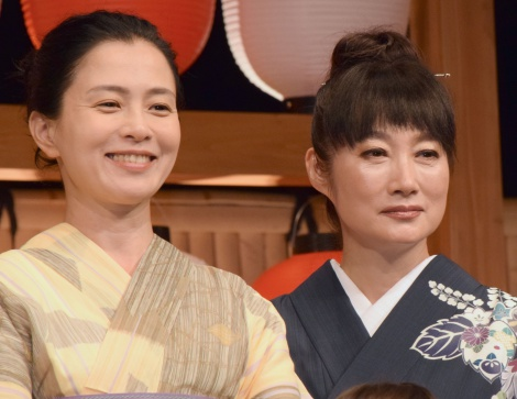 (左から)坂井真紀、余貴美子=ドラマ『はじめまして、愛しています。』舞台あいさつ (C)ORICON NewS inc.