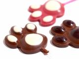 「義理チョコ」を外国人にあげる際には、贈る理由を簡単に説明してあげよう
