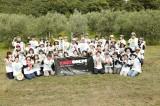ボランティア活動『RockCorps』参加者とHYで記念撮影