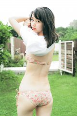 『週刊ヤングジャンプ』34号で初水着グラビアに挑戦した江野沢愛美 (C)MARCO/週刊ヤングジャンプ