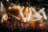 メジャーデビューシングル発売記念ツアーの東京公演を行ったSHE'S