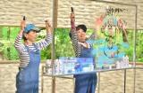 7月23日放送、MBS・TBS系『サワコの朝』は…阿川佐和子がゲストの水森亜土氏とペアルックで両手お絵描きに挑戦(C)MBS
