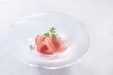 ANTEPRIMAが東京・銀座に国内最大級の旗艦店をオープン。地下1階にはブランド初となるレストランが(メニュー「トマトのソルベ」)