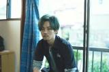 松坂桃李が緑髪のバンドマンに (C)2017「キセキ ーあの?のソビトー」製作委員会