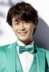 NHKみんなのうた「おじいちゃんちへいこう」を歌う氷川きよし
