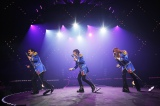 楽器を持たずに歌って踊ったTHE ALFEE Photo by hajime kamiiisaka