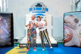 「夏休みに親子で観よう!『スター・ウォーズ』シリーズ!」イベントに出席した(左から)アニマル浜口、浜口京子