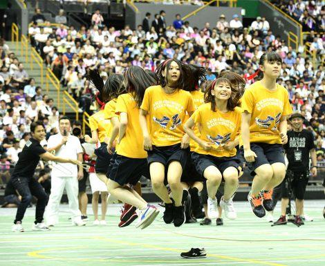 大縄跳びで優勝したSKE48チームKII