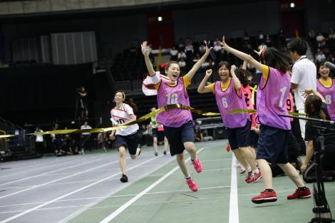 チーム対抗リレーはSKE48チームKIIが逆転優勝