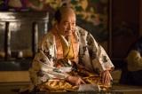 NHK大河ドラマ『真田丸』第15回より。謁見に訪れた上杉景勝に、秀吉はあることを突きつける(C)NHK