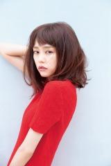 ファンからも歓喜と絶賛の声が寄せられている桐谷美玲のおフェロ顔=『ar』9月号(主婦と生活社)