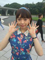 ガーリーな花柄ワンピ姿の森川(C)読売テレビ