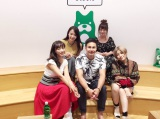 MCを務めたIMALUと、ゲストの岡田紗佳、三秋里歩、ユージ、梨衣名