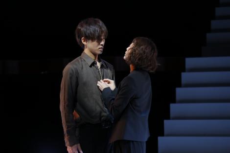 (左から)松坂桃李、高岡早紀\u003d松坂桃李\u003d舞台『娼年