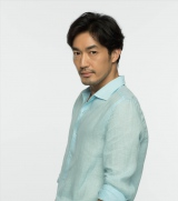 連続ドラマ『逃げるは恥だが役に立つ』に出演する大谷亮平 (C)TBS