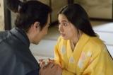 NHK大河ドラマ『真田丸』第34回「挙兵」より。玉から聞いた情報を信繁に届けるきり(長澤まさみ)(C)NHK