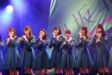 デビューシングル「サイレントマジョリティー」発売記念で初の全国握手会を開催した欅坂46 (C)ORICON NewS inc.