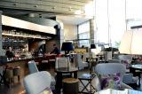 東京マリオットホテル(東京・品川区)のレストラン「ラウンジ&ダイニングG バーエリア」 スタイリッシュで落ち着いた空間 (C)oricon ME inc.