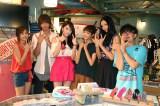 月9ドラマ『好きな人がいること』の撮影現場で「JY」ポーズ