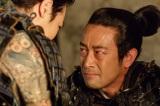 大河ドラマ『真田丸』第36回「勝負」より。信繁は三十郎(迫田孝也)に思いを託す(C)NHK