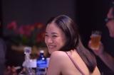 風変りなホステスの聡(さとし)を演じた蒼井優 (C)2016「オーバー・フェンス」製作委員会