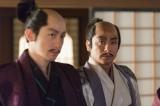 NHK大河ドラマ『真田丸』第25回より。大徳寺の山門には利休の像があり…