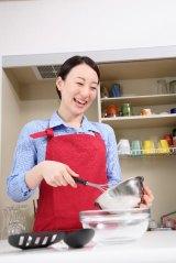 貯蓄の多い人に共通する趣味は…料理やネットオークション!?
