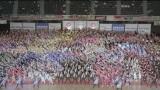 『全国高等学校ダンスドリル選手権大会』での約2500人によるポカリガチダンス
