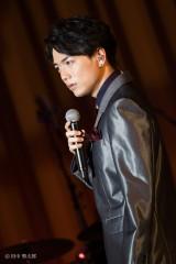 単独コンサートの開催が決定した山崎育三郎
