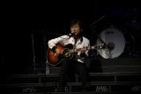 2年ぶり全国ツアー中の藤井フミヤ。デビュー記念日をファンと祝った